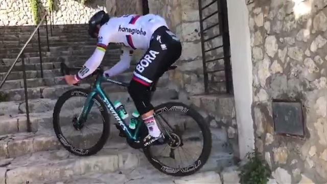 Peter Sagan tira de habilidades por Mallorca: decidió tomar un atajo subiendo escaleras en bici
