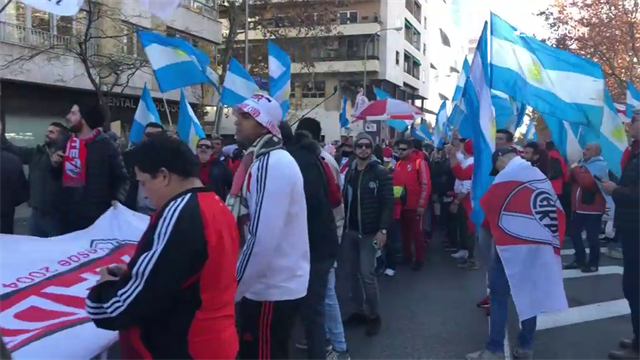 Фанаты «Ривер Плейта» оккупировали Мадрид и утопили его в клубной атрибутике и кричалках