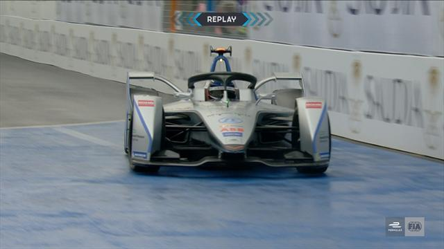 Mortara crashes in Formula E free practice in season opener