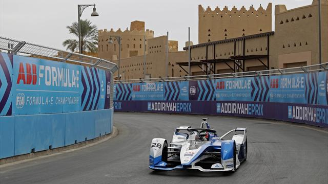 Da Costa holds off Vergne in dramatic finale to claim opening Formula E race
