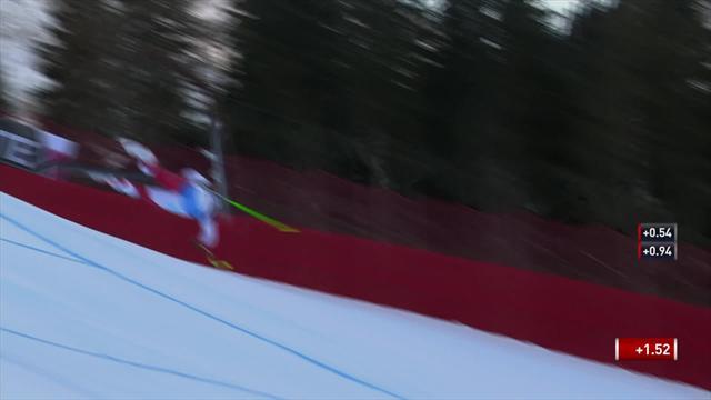 Шокирующее падение Гизин в Валь-Гардене – лыжник на скорости всем телом приземлился на трассу