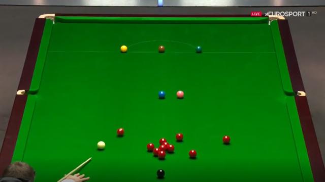 'Great shot!' - Daniel Wells threads the needle against Mark Allen