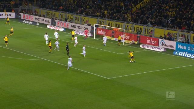 Bundesliga: 15e j. - L'incroyable sauvetage de Klaassen sur sa ligne