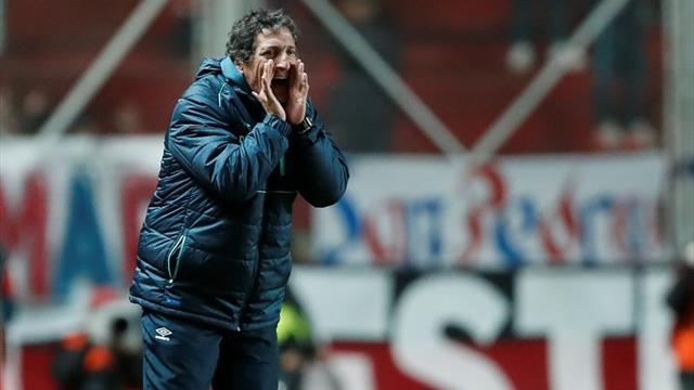 Colo Colo oficializa a Mario Salas como nuevo director técnico
