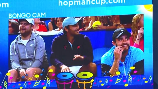 Лучшее из Кубка Хопмана. Федерер и Зверев устроили баттл на графических барабанах и взорвали публику