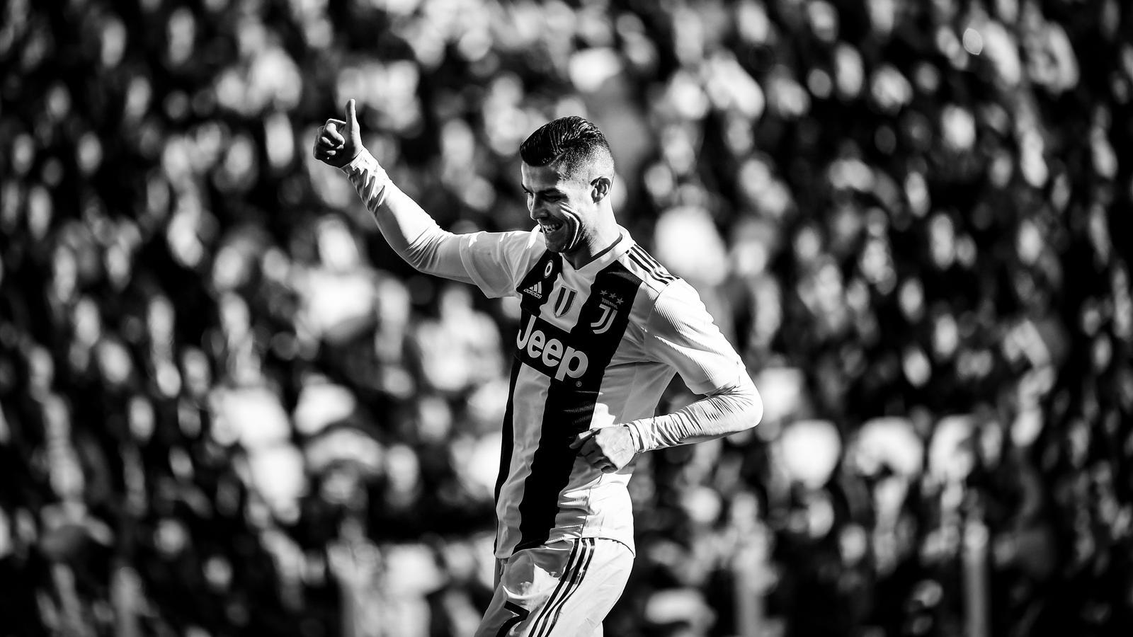 Cristiano Ronaldo - Player Profile - Football - Eurosport a6caee494fba8