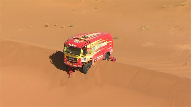 Africa Eco Race Image of the Day: Truck gets stuck on dune