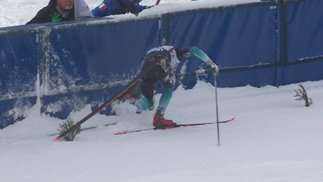 Французский лыжник выбрал неправильную траекторию и с грохотом впечатался в забор