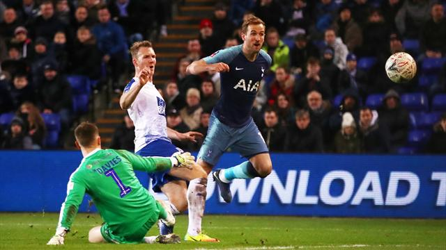 Best Tweets: Was Pochettino 'savage' or 'stupid' for bringing Kane on with 6-0 lead?