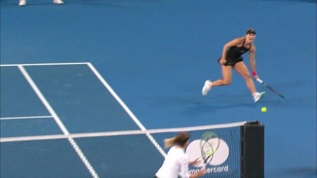 Copa Hopman: El punto a lo 'Federer' de Kerber que hizo aplaudir al propio Roger