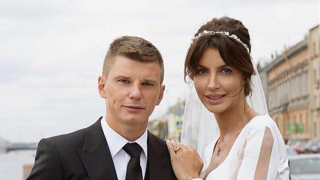 Бывшая жена Аршавина: «В 37 лет он ведет себя как пацан. Для него ребенок – это секс»