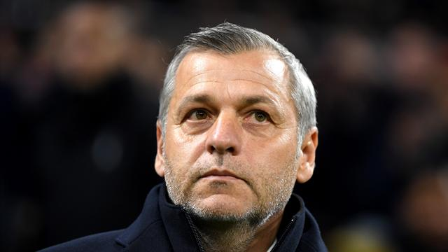Genesio pose la question de son avenir, Aulas temporise