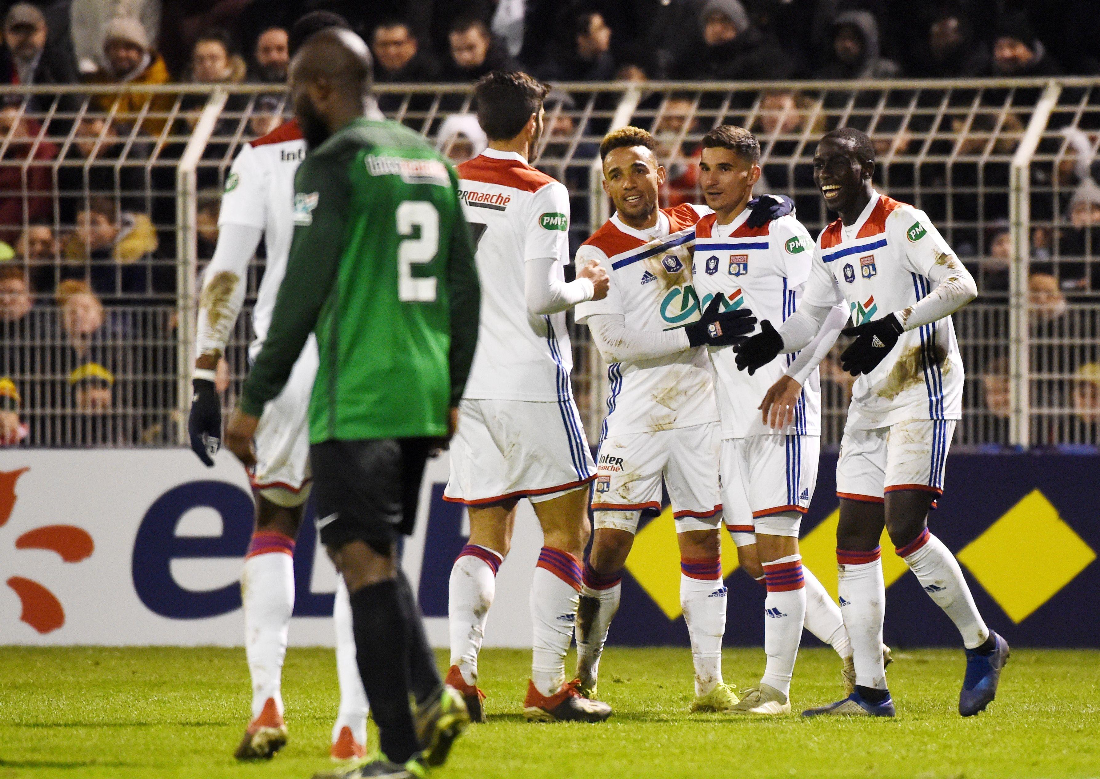 Les joueurs de l'OL célèbrent un but face à Bourges / Coupe de France