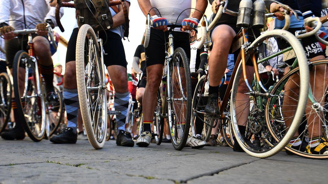Cycliste Image etats-unis : un coureur cycliste de 90 ans convaincu de dopage à