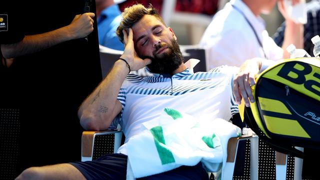 Paire falls asleep during defeat to baffled Norrie