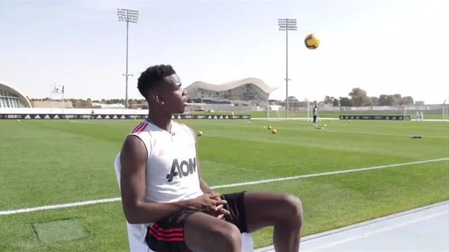 El detallazo de Pogba en mitad de una entrevista evitando un pelotazo