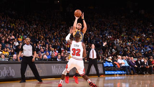 Curry devient le 3e meilleur marqueur à trois points de l'histoire