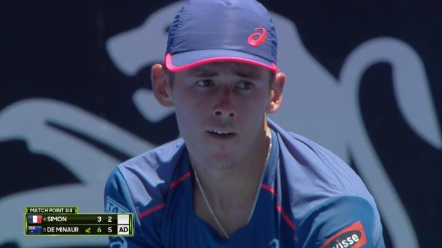 Sydney - De Minaur stoppe Simon en demi-finale