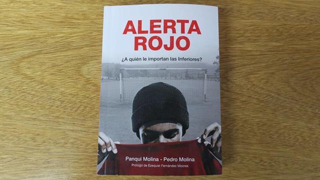 Un libro revela el infierno que viven los jóvenes futbolistas en Argentina