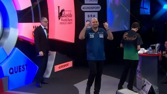 Watch - Scott Waites arrows into the BDO final at Lakeside