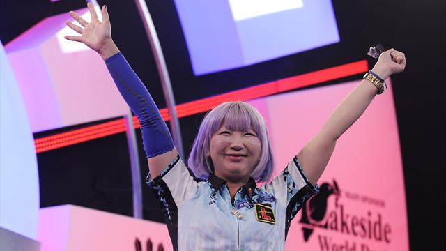 The moment Suzuki sealed BDO title in style and celebrated with 'Baby Shark' dance
