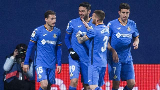 📢⚽ El Getafe hunde en el descenso al Villarreal, que falló un penalti en el último minuto (1-2)