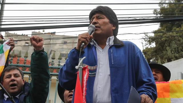 """Evo Morales desea la """"rápida recuperación"""" de Maradona tras su operación"""