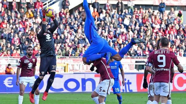 El Fiorentina se mete en cuartos en el debut del colombiano Muriel