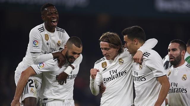 ⚽ Un golazo de falta de Ceballos en el 88' da la victoria al Madrid en el Villamarín (1-2)