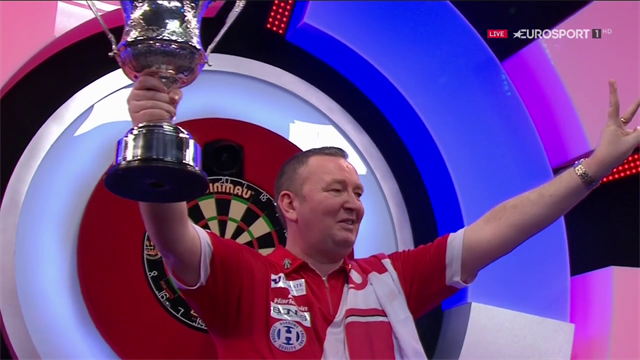Glen Durrant praises Eric Bristow after emulating feat of three straight BDO world titles