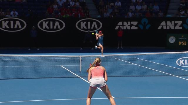 Sharapova hits left-handed lob, goes on to win point