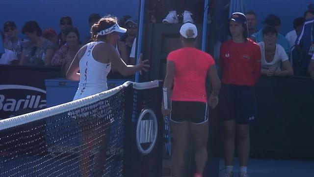 Kalter Händedruck zwischen Strycova und Putintseva
