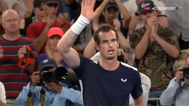 Murray ce la mette tutta ma perde da Bautista Agut: tanti applausi dalle tribune