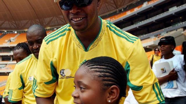 Muere de cáncer Phil Masinga, futbolista de la generación de oro sudafricana