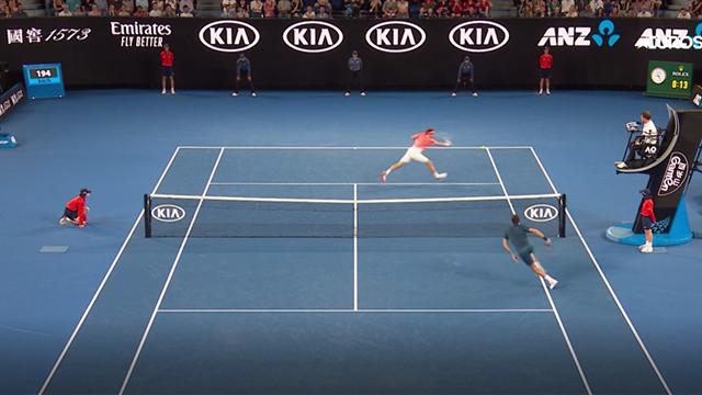 Федерер отметил возвращение на АО десятком бесподобных ударов
