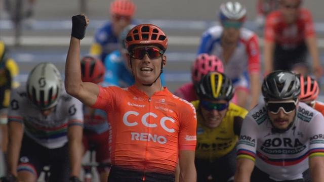Bevin shocks sprint favourites to win Stage 2