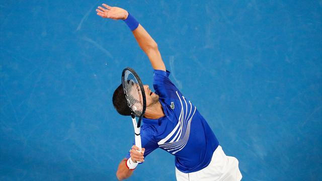 "Mouratoglou : ""Le service de Djokovic est illisible"""