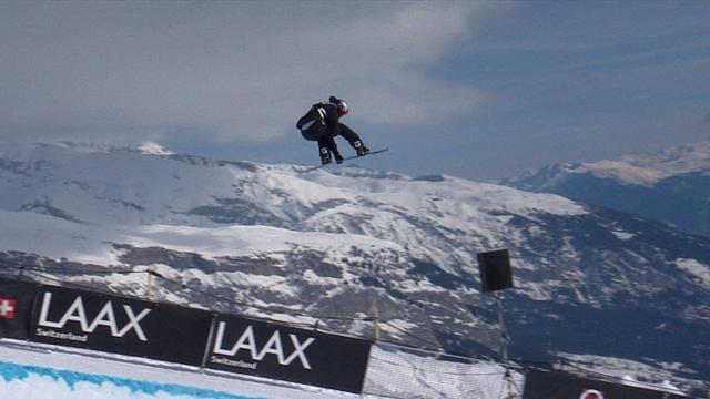 Scotty James lays down a huge run in Laax half pipe