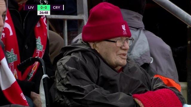 «Ливерпуль» устроил шоу для 104-летнего деда. Он болеет за клуб с 1923-го и у него 14 правнуков
