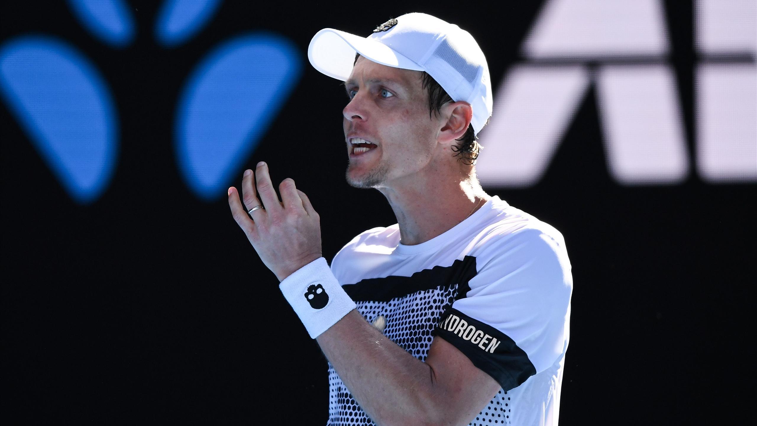 Бердых снялся с трех турниров американской хардовой серии