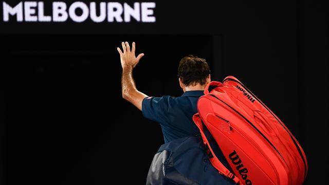 Roger Federer lascia Melbourne: lo giustizia il nuovo talento di Stefanos Tsitsipas