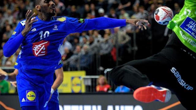 Francia se sitúa a un paso de unas semifinales que se complican para Croacia