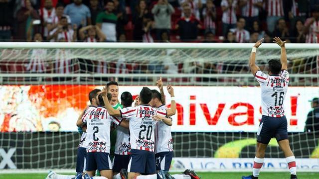 Las Chivas de Guadalajara lideran el torneo Clausura de fútbol en México con paso perfecto