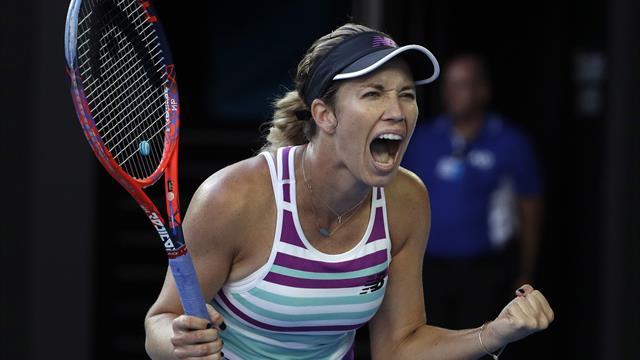 Danielle Collins reaches Australian Open semi-finals with win over Anastasia Pavlyuchenkova