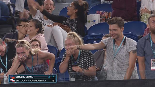 Open Australia 2019: Cuando vayas al tenis y te pongas a bailar... ¡Cuidado con el móvil!