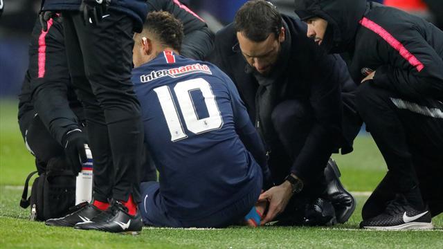 PSG in ansia per Neymar: infortunio allo stesso piede lesionato a febbraio. Si teme un lungo stop