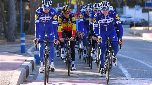 Petr Vakoč a Peter Sagan na startu etapového závodu Vuelta a San Juan