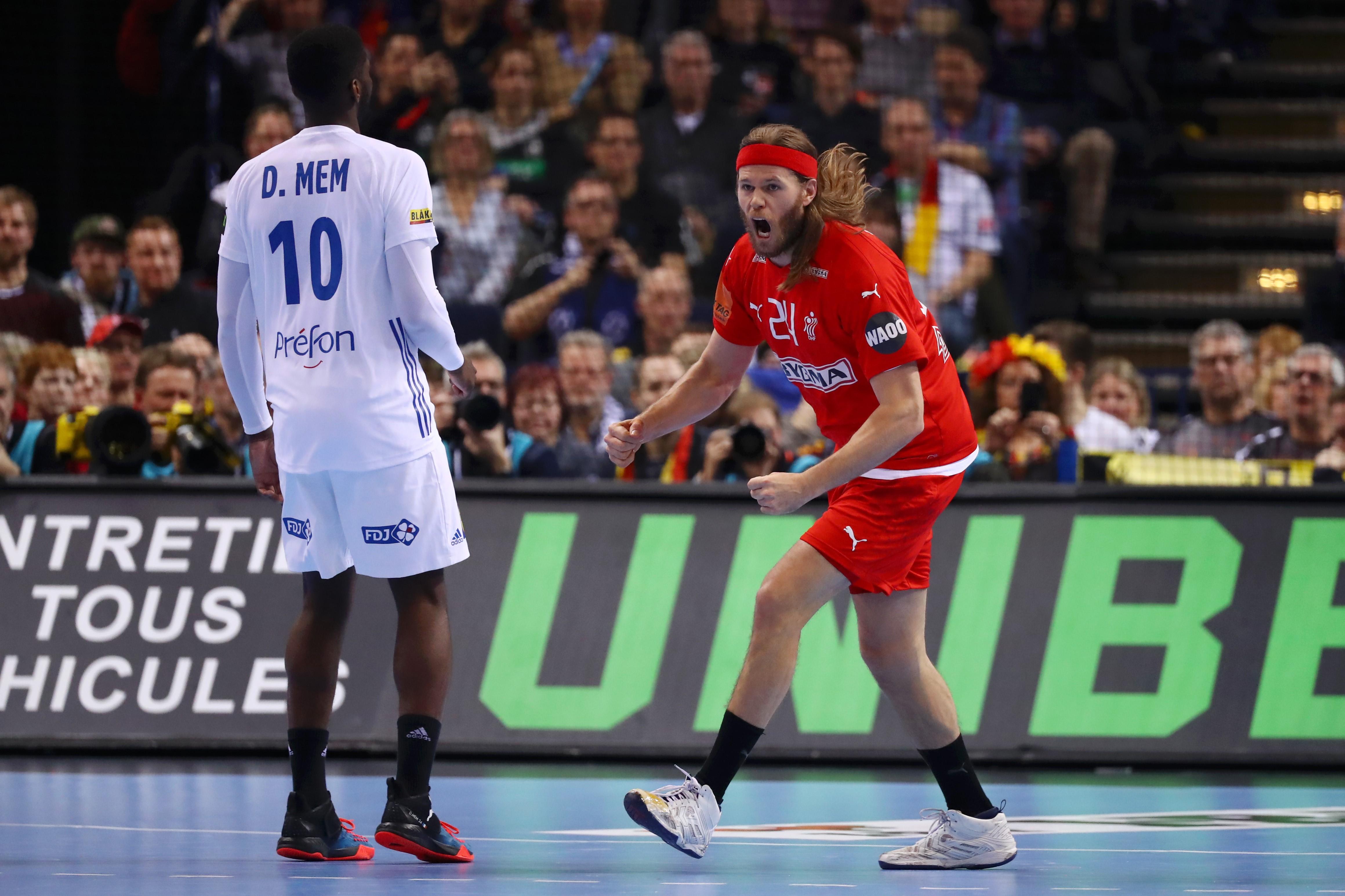 Mikkel Hansen et Dika Mem lors de France - Danemark au Mondial 2019