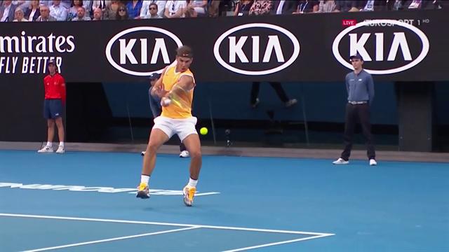 Buco su un facile dritto: l'immagine di Rafa Nadal nel primo set perso contro Djokovic