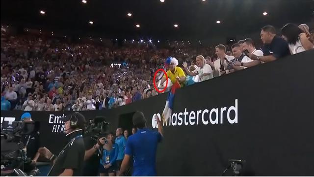Open Australia 2019: El detallazo de Djokovic con un fan regalándole la raqueta